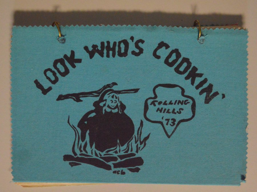 "Screen printed cover of a 1973 Rolling Hills Girl Scout Council cookbook entitled ""Look Who's Cooking"""